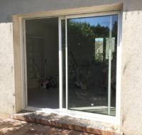 photo baie vitrée aluminium, vue extérieure