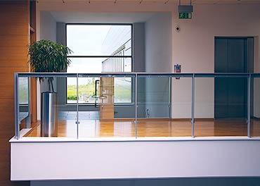 garde-corps en verre ultra résistant