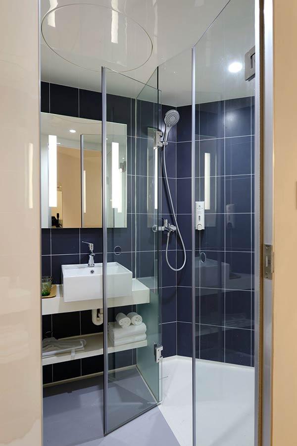 parois de douche en verre sur-mesure